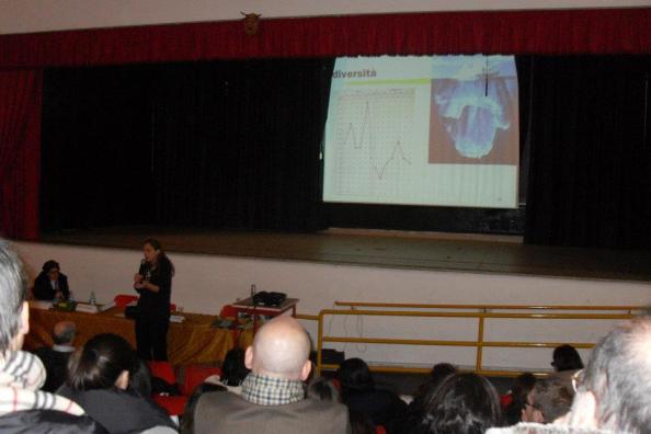 Flavia Caretto mostra i risultati del test intellettivo